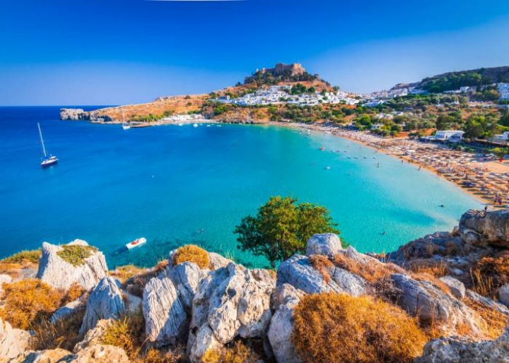 The village of Lindos in Rhodes - credits: cge2010/Shutterstock.com