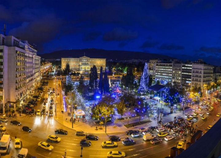 Syntagma Square during Christmas - credits: PitK/Shutterstock.com