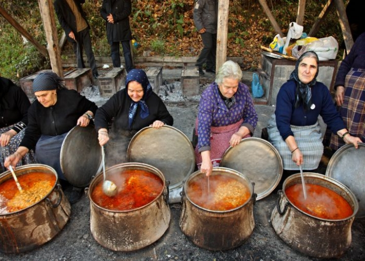 Greek grandmothers cooking traditional Greek food - credits: Heracles Kritikos/Shutterstock.com