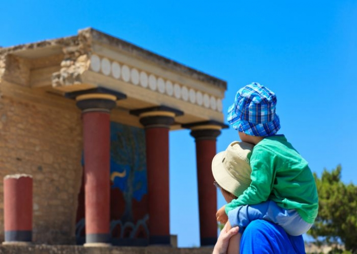 Family in Knossos - credits: NadyaEugene/Shutterstock.com