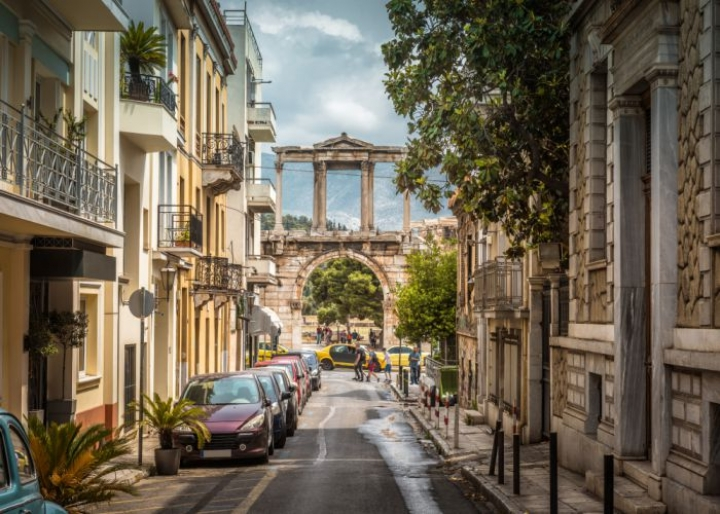 Athenian street overlooking Hadrian's Arch - credits: Viacheslav Lopatin/Shutterstock.com