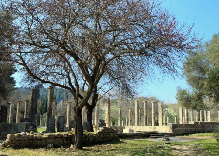 Ancient Olympia - credits: Netfalls Remy Musser/Shutterstock.com