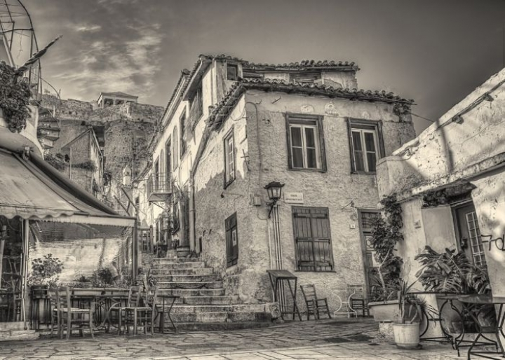 Anafiotika neighborhood in the past - credits: Anastasios71/Shutterstock.com