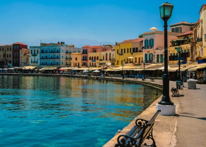 Promenade in Chania - credits: Amotional/Depositphotos.com